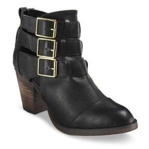 Black Triple Buckle Strap Ankle Boots Sz 6
